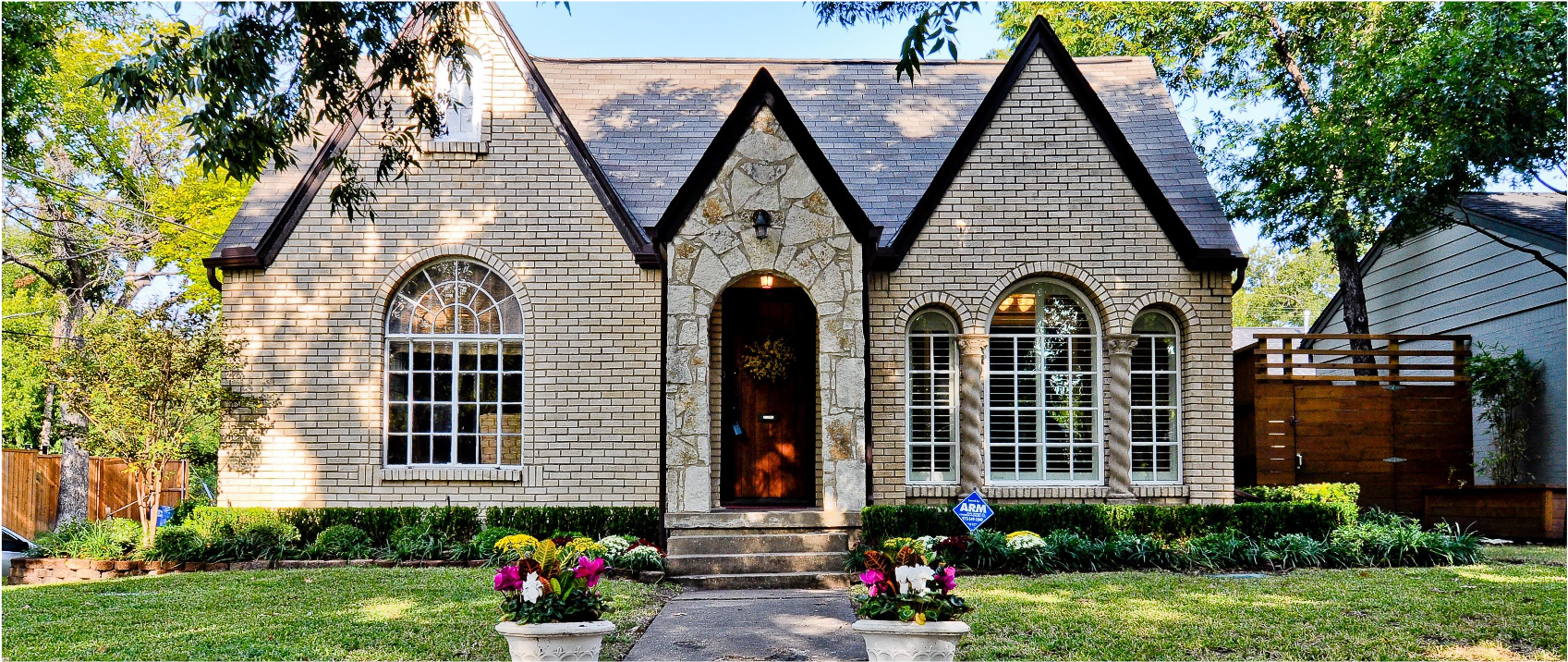 https://livingwayproperties.com/wp-content/uploads/2021/05/sell-my-home-in-dallas-fast-for-cash.png